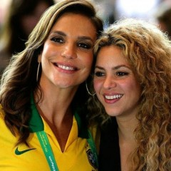 Ivete e Shakira juntas no final da Copa do Mundo