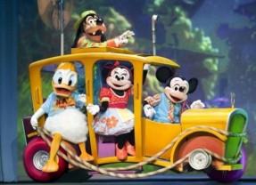 Quiosque com produtos da Disney