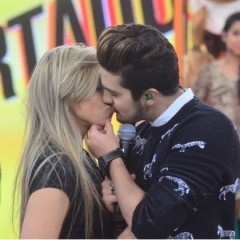 Luan Santana beijou bailarina em programa da Record