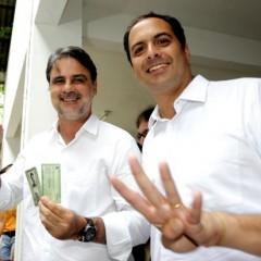 Paulo Câmara planeja comemorar vitória no Marco Zero