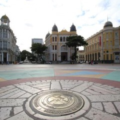 Espetáculo itinerante encenado nas ruas do Recife