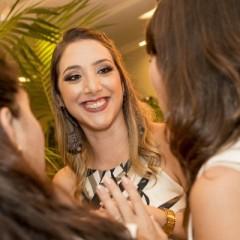 Camila Maia lança blog de decoração com festa