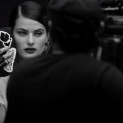 3fb53fcf1 Isabelli Fontana estrela campanha da coleção de Karl Lagerfeld para a  Riachuelo