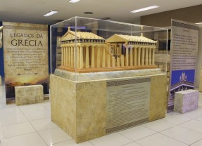 História da Grécia no Shopping Guararapes