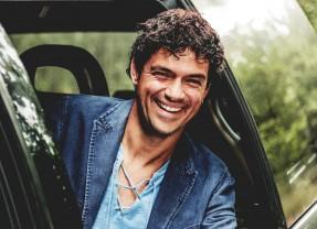 Jorge Vercillo se apresenta em agosto no Teatro Guararapes
