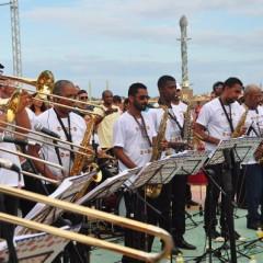 Orquestra Arruando faz show gratuito no Marco Zero, neste domingo
