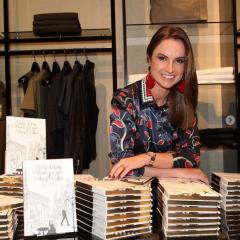 Manu Berger, especialista em mercado de luxo, autografa livro no Recife