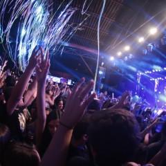 Baile do Dennis: Muito funk, open bar e gente bonita