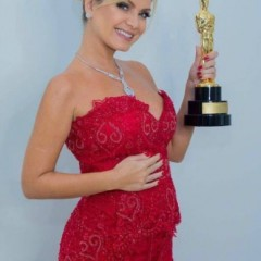 Apresentadora Eliana é afastada por gravidez de risco e é substituída por Patrícia Abravanel