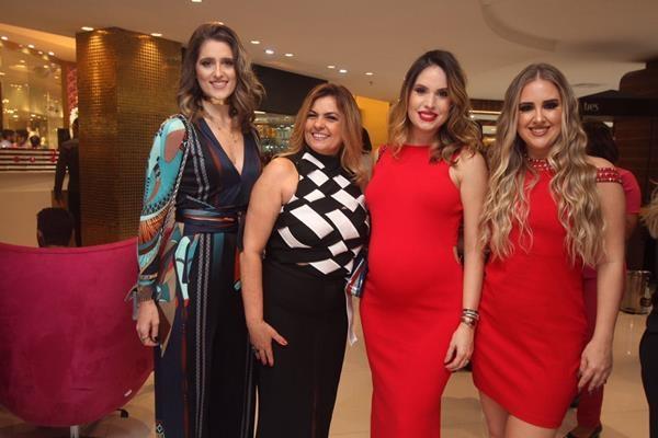 Rebeca Leal, Eveline Veloso, Thyane Dantas e Patricia Leitte - Crédito: Nando Chiappetta/DP