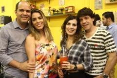 Ricardo e Vanessa Bicalho com Camila e Bruno Leão