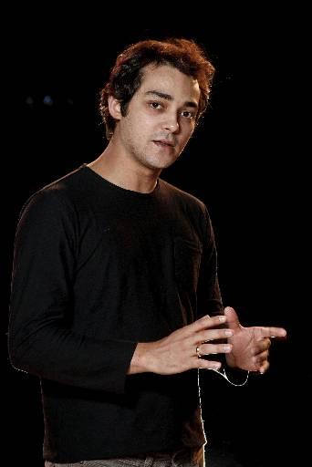 Eduardo Sterblitch apresenta novo espetáculo no Recife - Crédito: Gabriel Chiarastelli/Divulgação