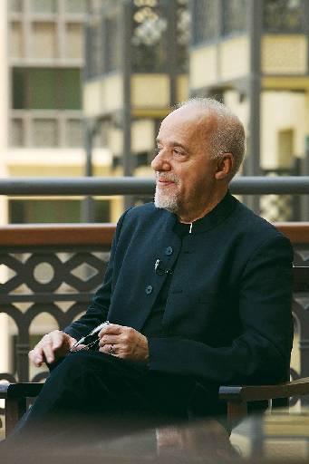 Paulo Coelho  - Crédito: Paul Macleod/Divulgação