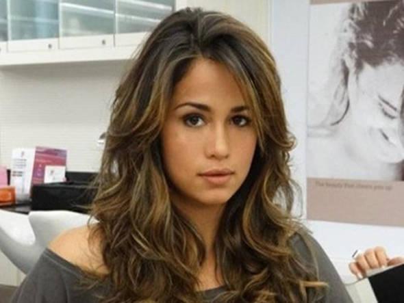 Nanda Costa assina contrato milionário