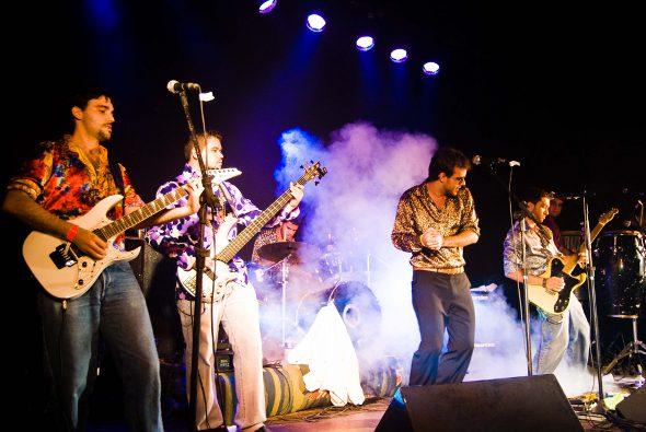 A Faringes da Paixão  vai tocar na Barraca do Pezão em Maracaípe - Crédito: Felipe Arruda/Divulgação