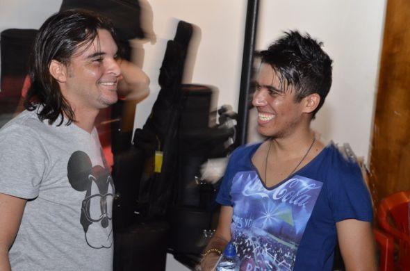 Douglas, vocalista do Forró Pegado e Luan Estilizado. Crédito: Gabriel Ferreira/Innovo