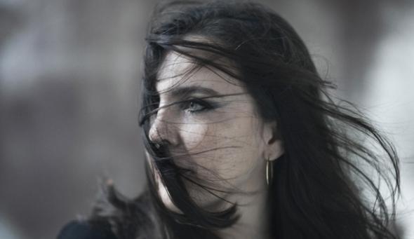 Adriana Calcanhotto fará show dia 27, no Teatro da UFPE - Crédito: Divulgação da artista