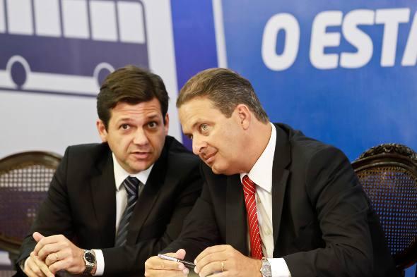 Geraldo Julio e Eduardo Campos - Crédito: Andréa Rego Barros/PCR
