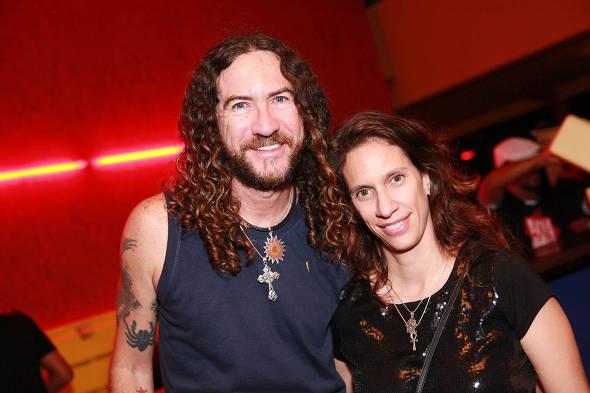 Silvério Pessoa e com a  mulher Karina Hoover - Crédito: Paloma Amorim/Divulgação