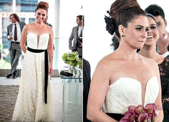A atriz Giovanna Antonelli ousou com um decote profundo e faixa preta na cintura - Crédito: TV Globo/Divulgação