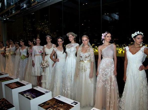Os bordados e contraste de tons da estilista Lethicia Bronstein - Crédito: Adriana Spaca/Divulgação