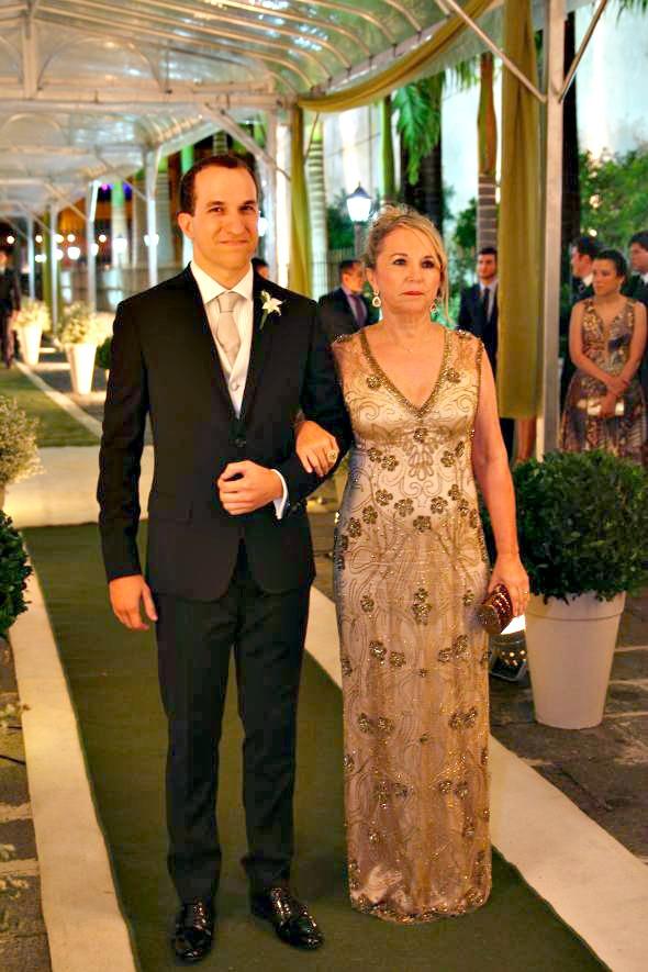 O noivo, Fernando Mendonça Filho, ao lado de sua mãe, Margareth – Crédito: Annaclarice Almeida/DP/D.A Press