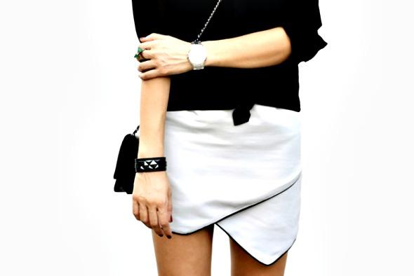Saia assimétrica é tendência - Crédito: Divulgação/roupas.com