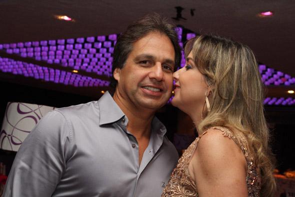 Sérgio Arruda receberá convidados ao lado da esposa Silvana Aguiar - Crédito: Nando Chiappetta/DP/D.A Press