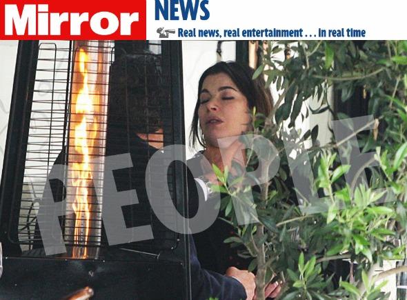 Nigella é agredida pelo marido em público Crédito: Daily Mirror/Reprodução