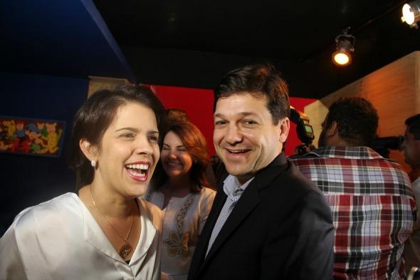 Cristina e Geraldo Julio Crédito: Arthur de Souza / DP / D.A Press