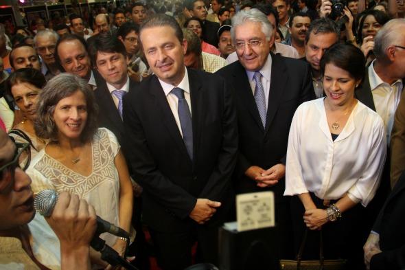 Renata e Eduardo Campos, Guilherme Domingos e Cristina Melo Crédito: Arthur de Souza / DP / D.A Press
