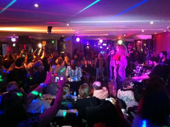 Público vibrou com as músicas da Jovem Guarda. Foto: Wagner Oliveira/DP/D.A Press