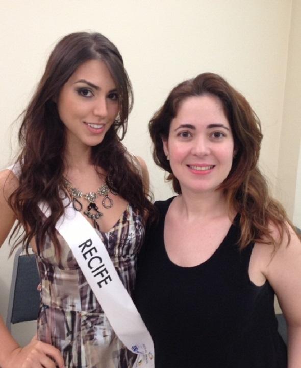A candidata Recife, Helena Rios, com a estilista Flávia Azevedo - Crédito: Divulgação
