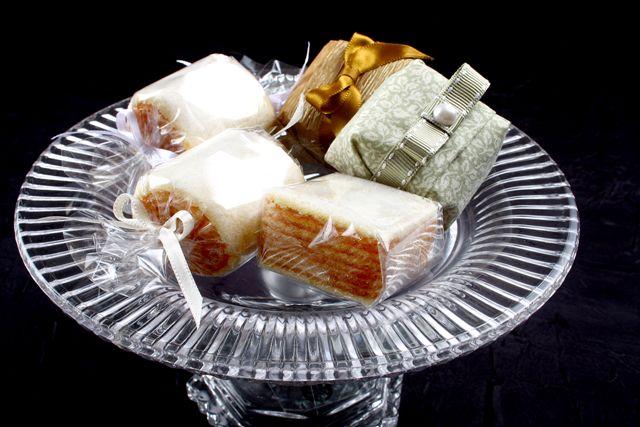 Bem-casados de bolo de rolo da grife Arcádia - Crédito: Divulgação