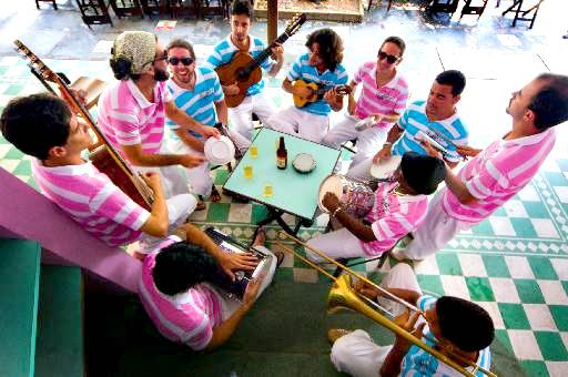 Grupo Pouca Chinfra - Crédito:  Helder Tavares/Divulgação