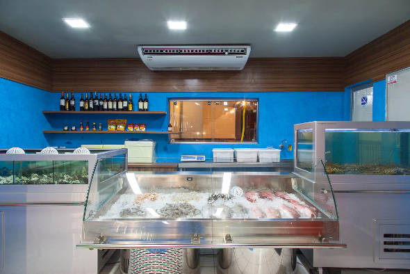 A peixaria, com frutos do mar fresquinhos - Crédito: Paloma Amorim/Divulgação