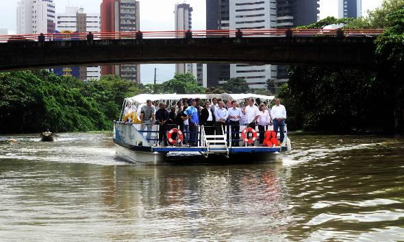 Inicialmente, serão 13 barcos de transporte, com capacidade para 89 pessoas cada, com estimativa de transportar 300 mil passageiros/mês - Crédito: Aluísio Moreira/SEI