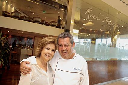 Carmem Peixoto e o chef português Rui Paula - Crédito: Gleyson Ramos/Divulgação