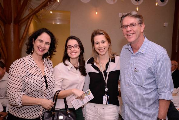 Isabela Jarocki, Thias Miranda, Tatiana Menezes e Valter Jarocki Crédito: Ytallo Barreto/Divulgação