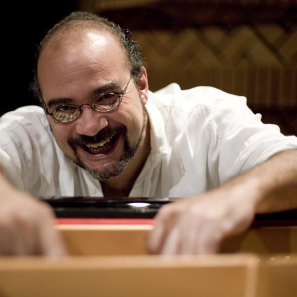 Paulo Braga toca amanhã no Centro Cultural dos Correios. Crédito: Divulgação do artista