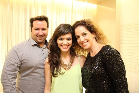 Guiggo Cavalcanti, Sofia Costa e Vanessa Pontual - Crédito: Thuany Ferreira/Divulgação