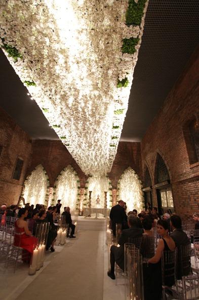 Detalhe do teto de onde ocorreu a cerimônia religiosa Crédito: Roberto Ramos/DP/D.A Press