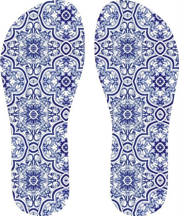 Sandália com estampa azulejo - Foto: Divulgação