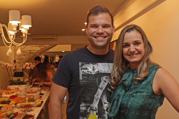Bruno Cezar e Juliana Cavalcanti Credito: Roberto Ramos/DP/D.A Press