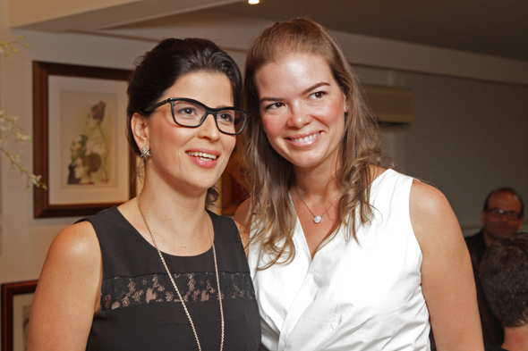 Carla e Juliana Lins Credito: Roberto Ramos/DP/D.A Press