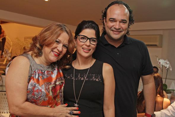 Nena Queiroga, Carla e André Brasileiro Credito: Roberto Ramos/DP/D.A Press