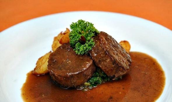 No menu do jantar Restaurant Week no Oficina do Sabor, em Olinda, o prato principal é o medalhão de rabada - Crédito: Armando Artoni/Divulgaçãp