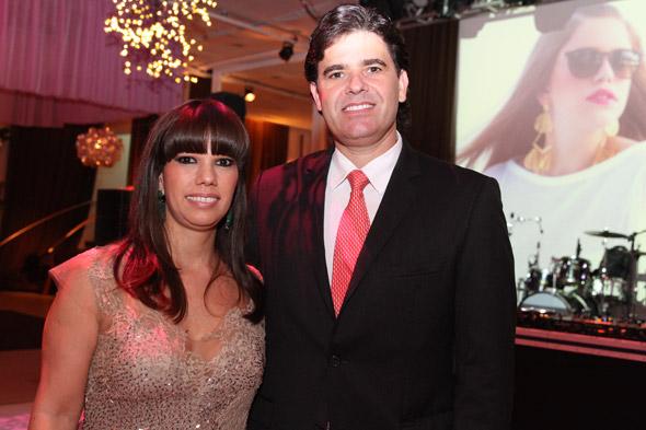 Os pais Liana Bacelar e Maurício Gama - Crédito: Nando Chiappetta/DP/D.A Press