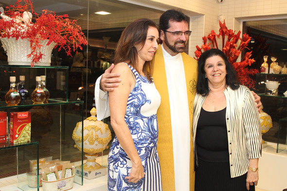 Patrícia Gomes, Frei Rinaldo e Celinha Batista Crédito: Nando Chiappetta/DP/D.A Press
