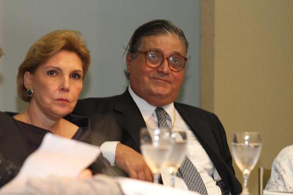 Maria Lectícia e o marido, José Paulo Cavalcanti. Crédito:Nando Chiappetta/DP/D.A Press